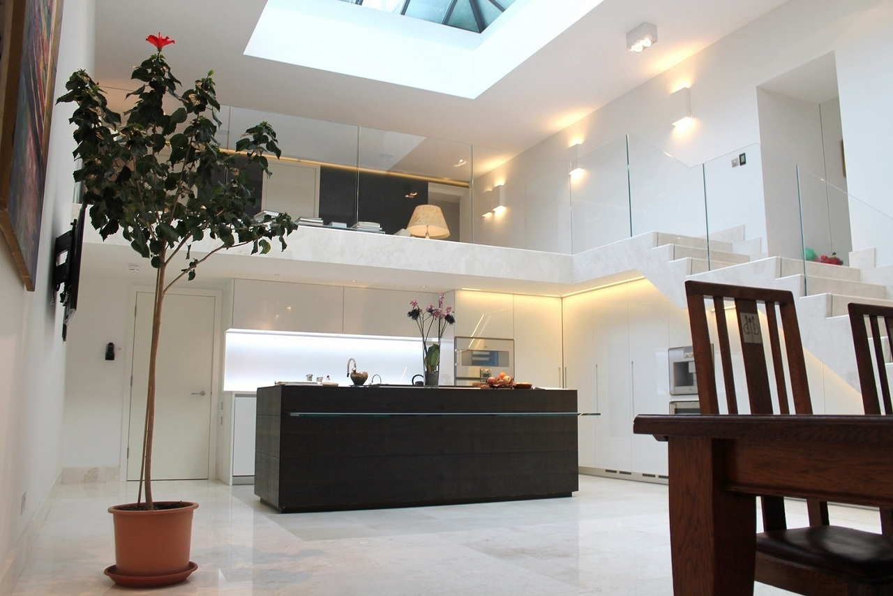 Oscar Elite - A smooth acoustic plaster finish installed in a Holland Park house